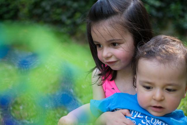 Portrait frère et soeur, 1 an et 3 ans
