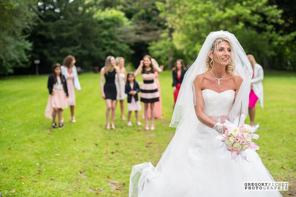 Lancer de bouquet de la mariée