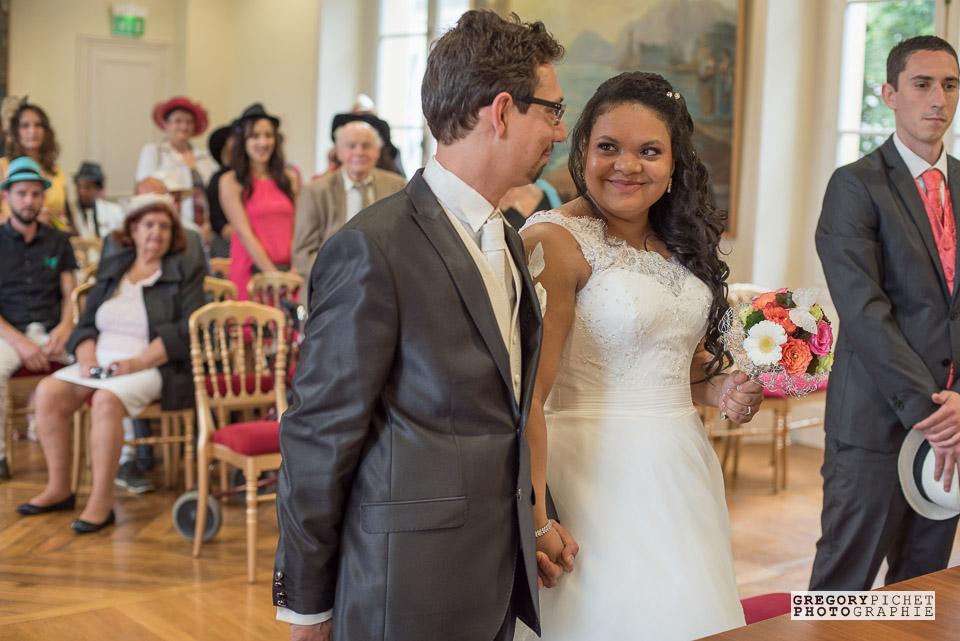Mariés à la mairie