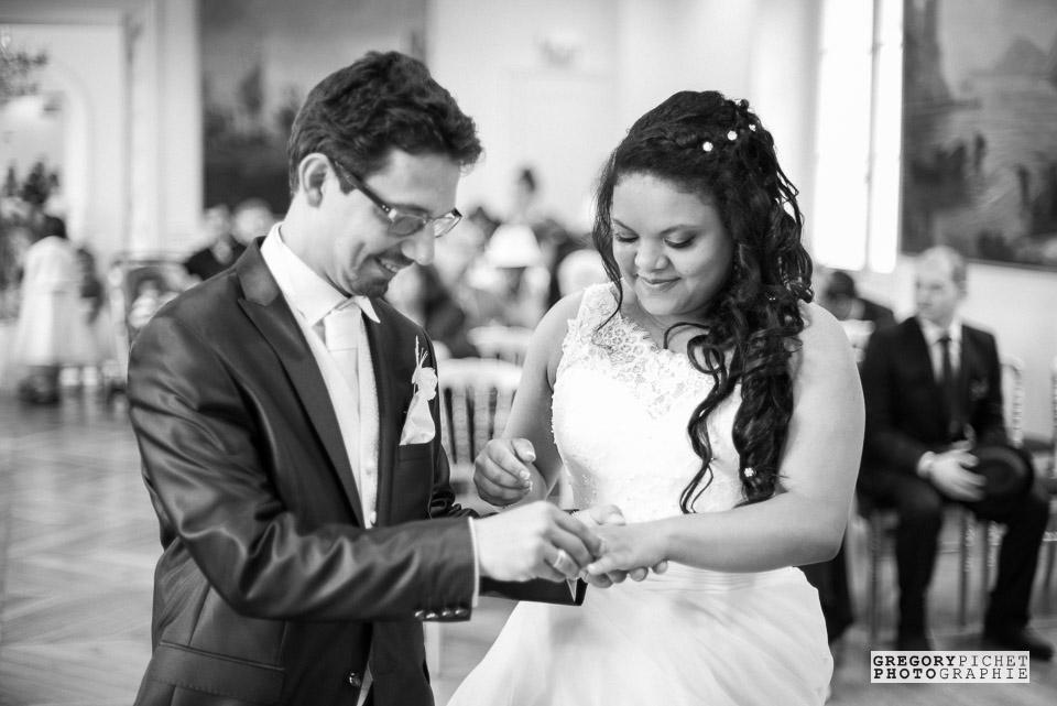 Passage des alliances entre mariés