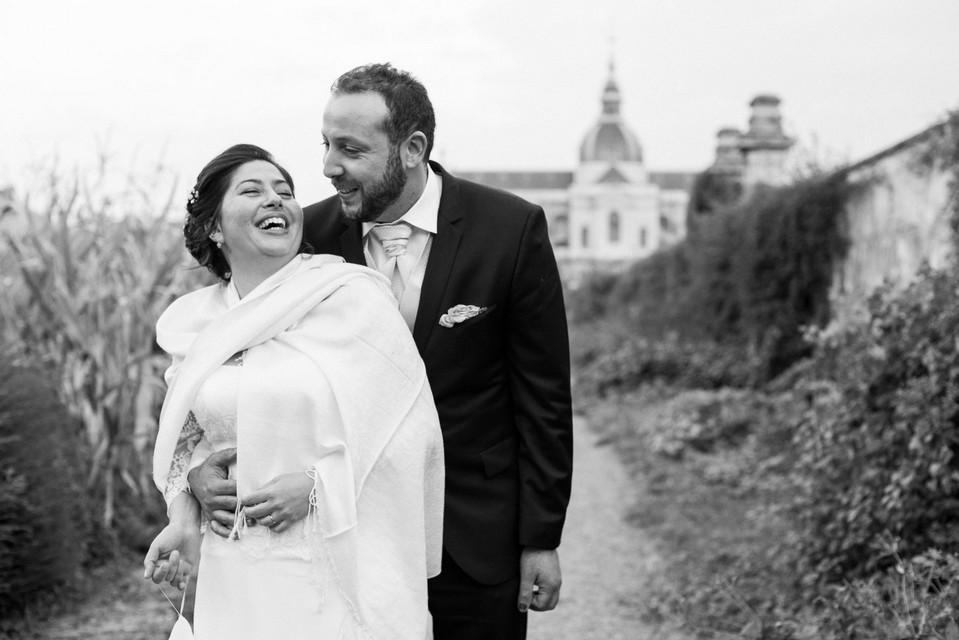 Eclat d'un rire au sein d'un couple de mariés