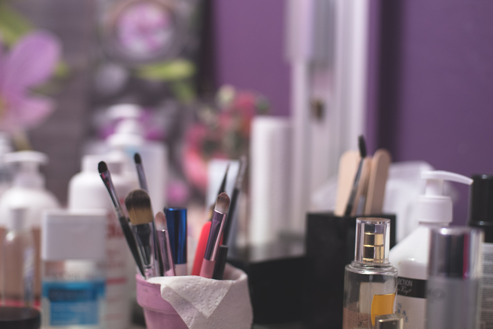 Accessoires salon de maquillage