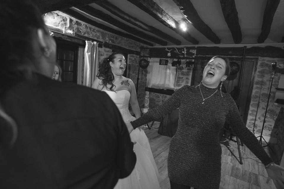 Folie lors d'un mariage