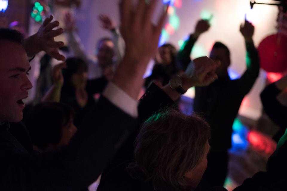 Ambiance sur la piste de danse d'un mariage
