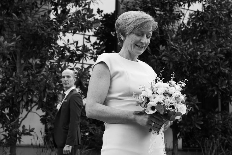 Portrait de mariés en noir et blanc