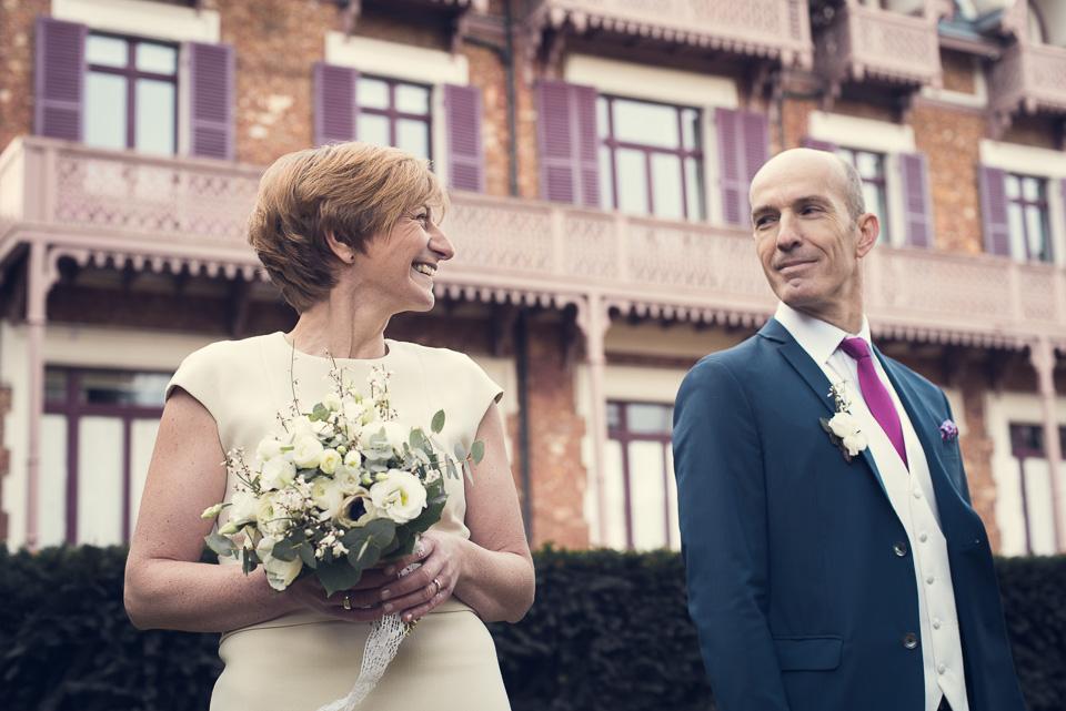 Mariés devant la mairie de Viroflay