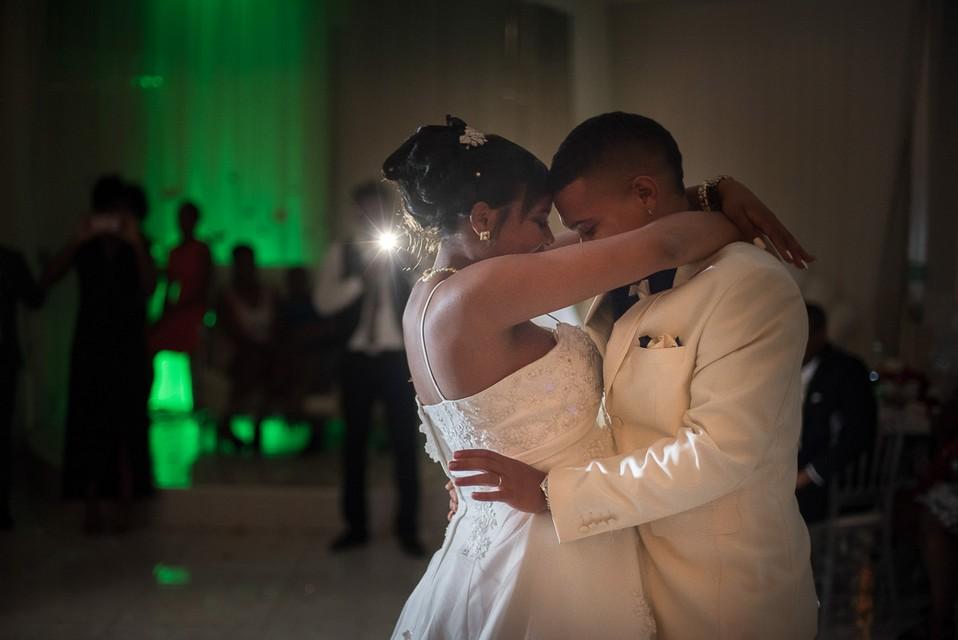 soiree mariage premiere danse photographe de mariage paris essonne. Black Bedroom Furniture Sets. Home Design Ideas