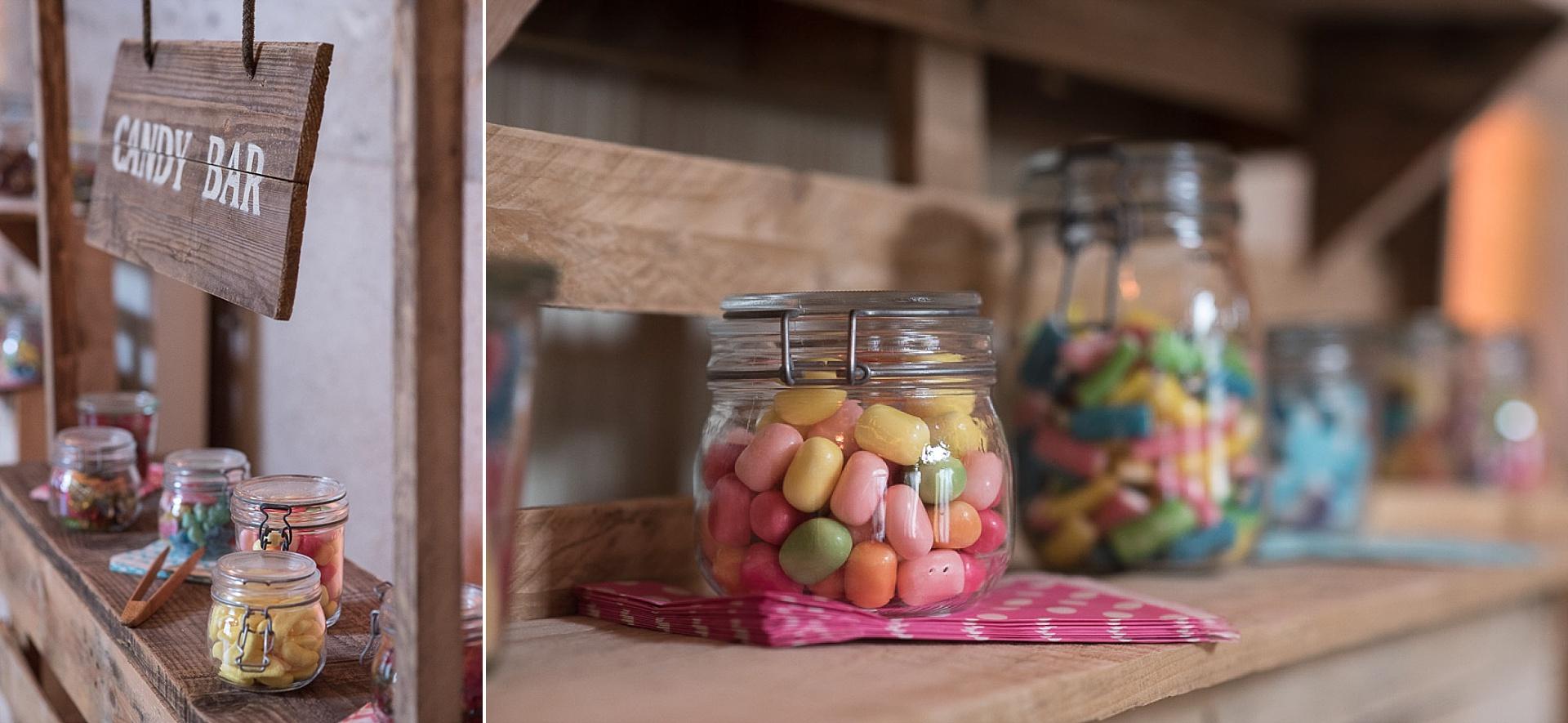 Mariage bobo chic aux Granges du Chesnay - Bar à bonbons en bois