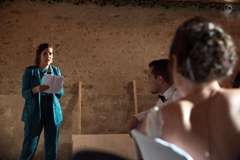 Discours de la témoin de la mariée devant les mariés aux Granges du Chesnay
