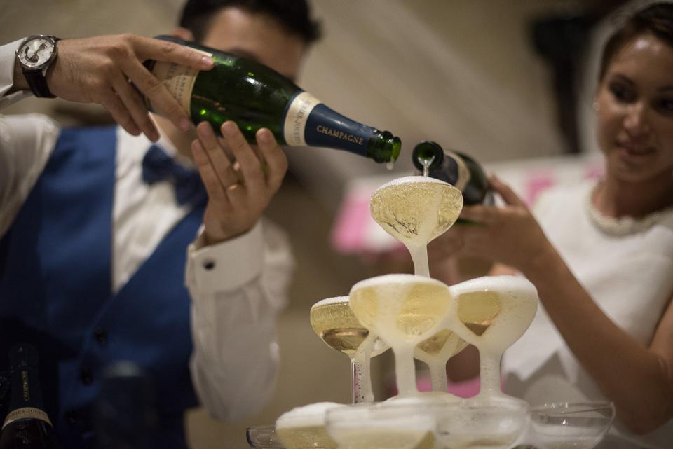 Pyramide et fontaine de champagne pour un mariage aux Granges du Chesnay