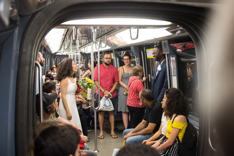Mariage dans le métro de Paris