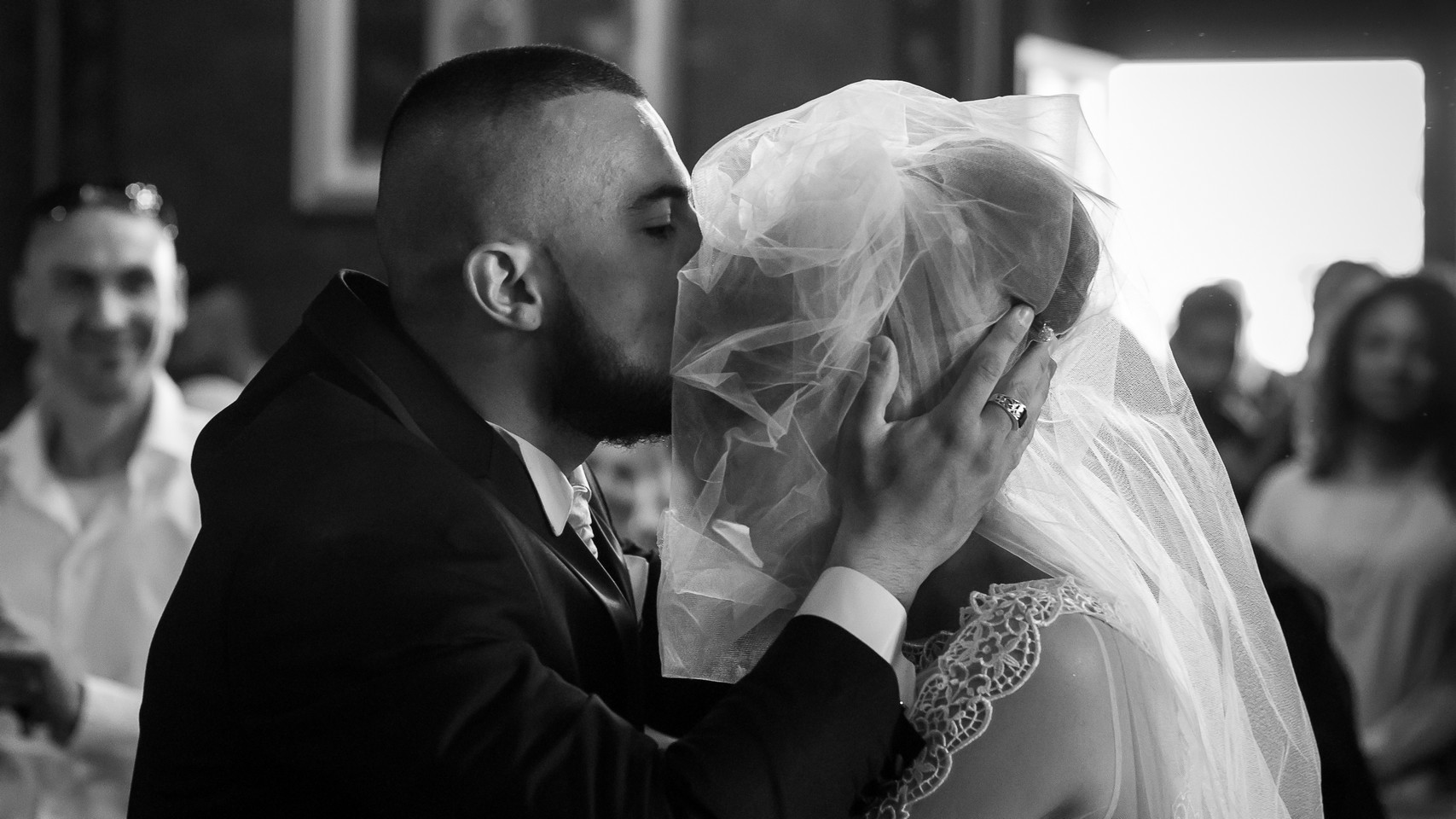 mariage-baiser-front